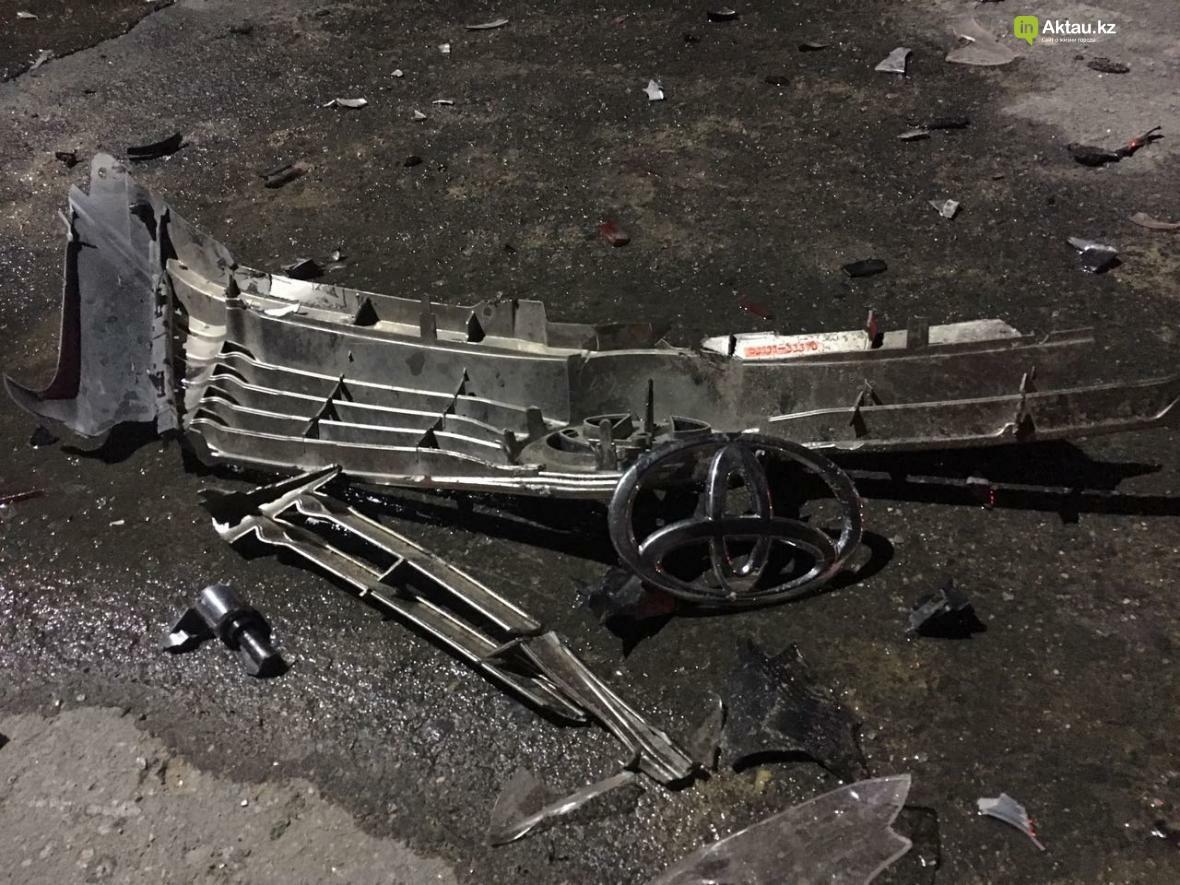 В Актау в результате столкновения трех автомобилей зажало человека. Фото, фото-5