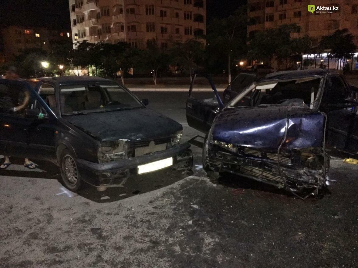 В Актау в результате столкновения трех автомобилей зажало человека. Фото, фото-6