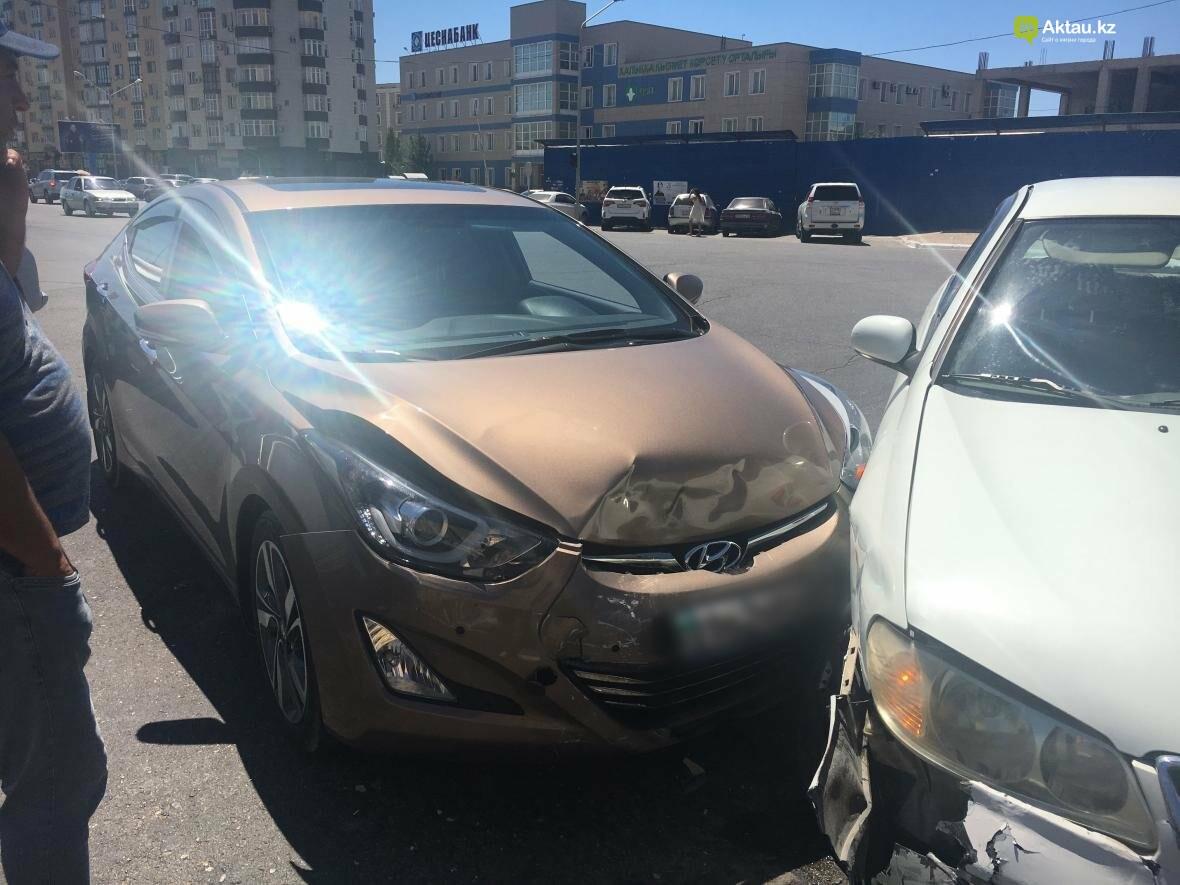 "На перекрестке у ЖК ""Дукат"" столкнулись два автомобилиста. Фото, фото-4"