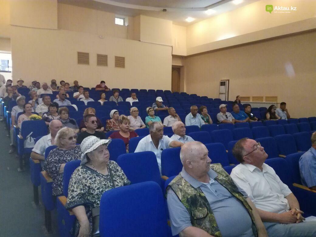 Жители Актау проводили Виктора Нечаева в последний путь (Видео), фото-4