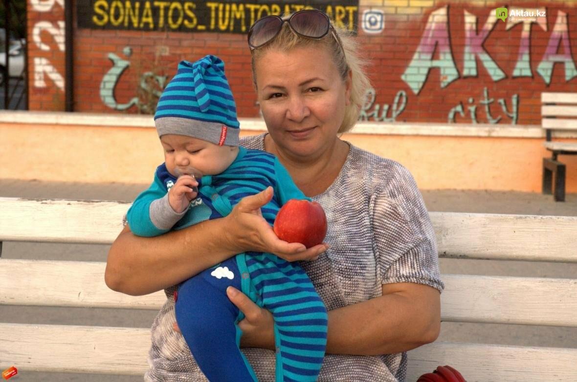 Корреспонденты ИнАктау витаминизировали жителей города (Видео), фото-3