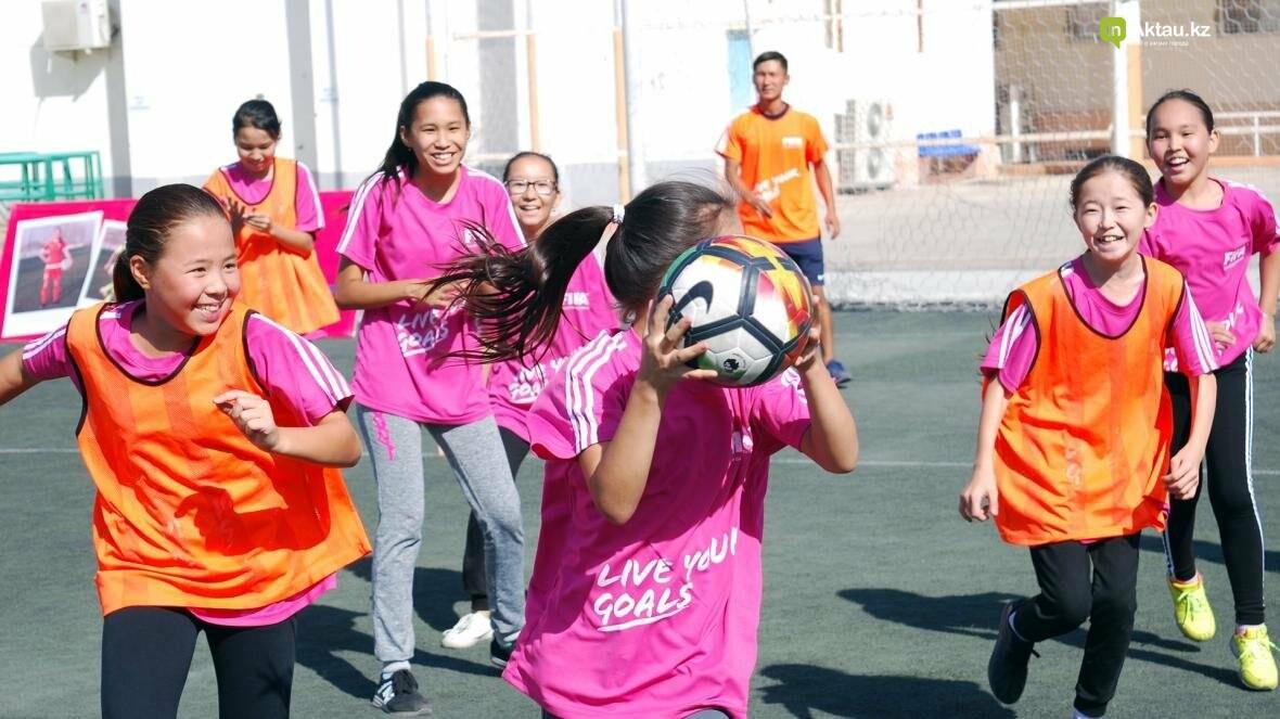 """В Актау прошел фестиваль женского футбола """"Live Your Goals-2017"""", фото-6"""