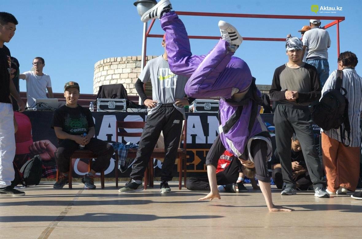 Казахстанские брейкдансеры боролись за звание лучших в Актау (Фото), фото-12