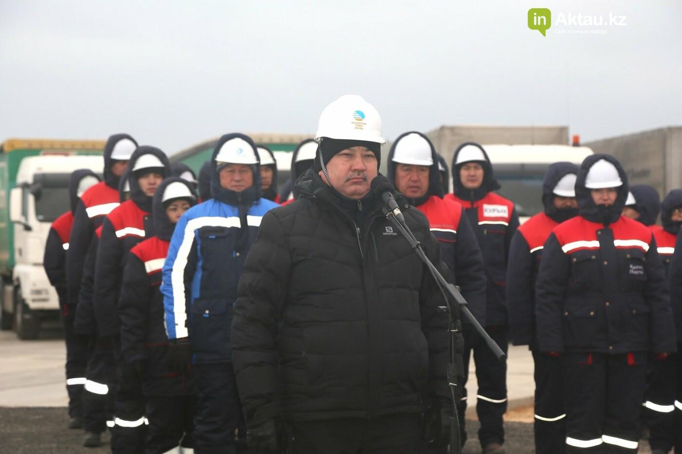 """Нурсултан Назарбаев: """"Вы представляете себе - мы открыли паромную переправу!"""", фото-1"""