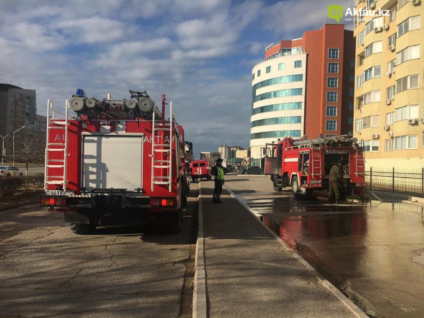 В 13 микрорайоне из-за пожара в квартире эвакуировали 50 жильцов дома, фото-2