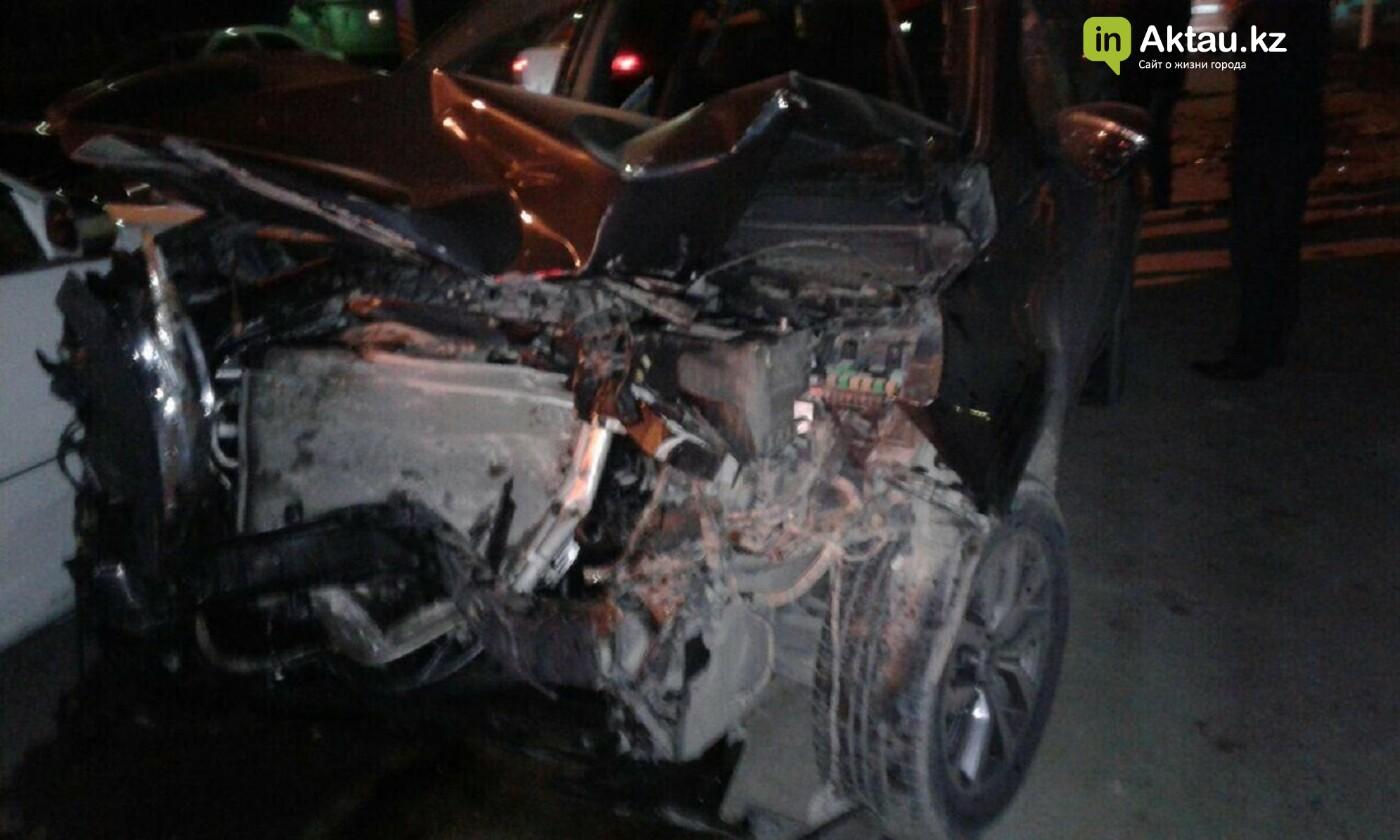 В Актау у пострадавшей в аварии женщины украли телефон, фото-2