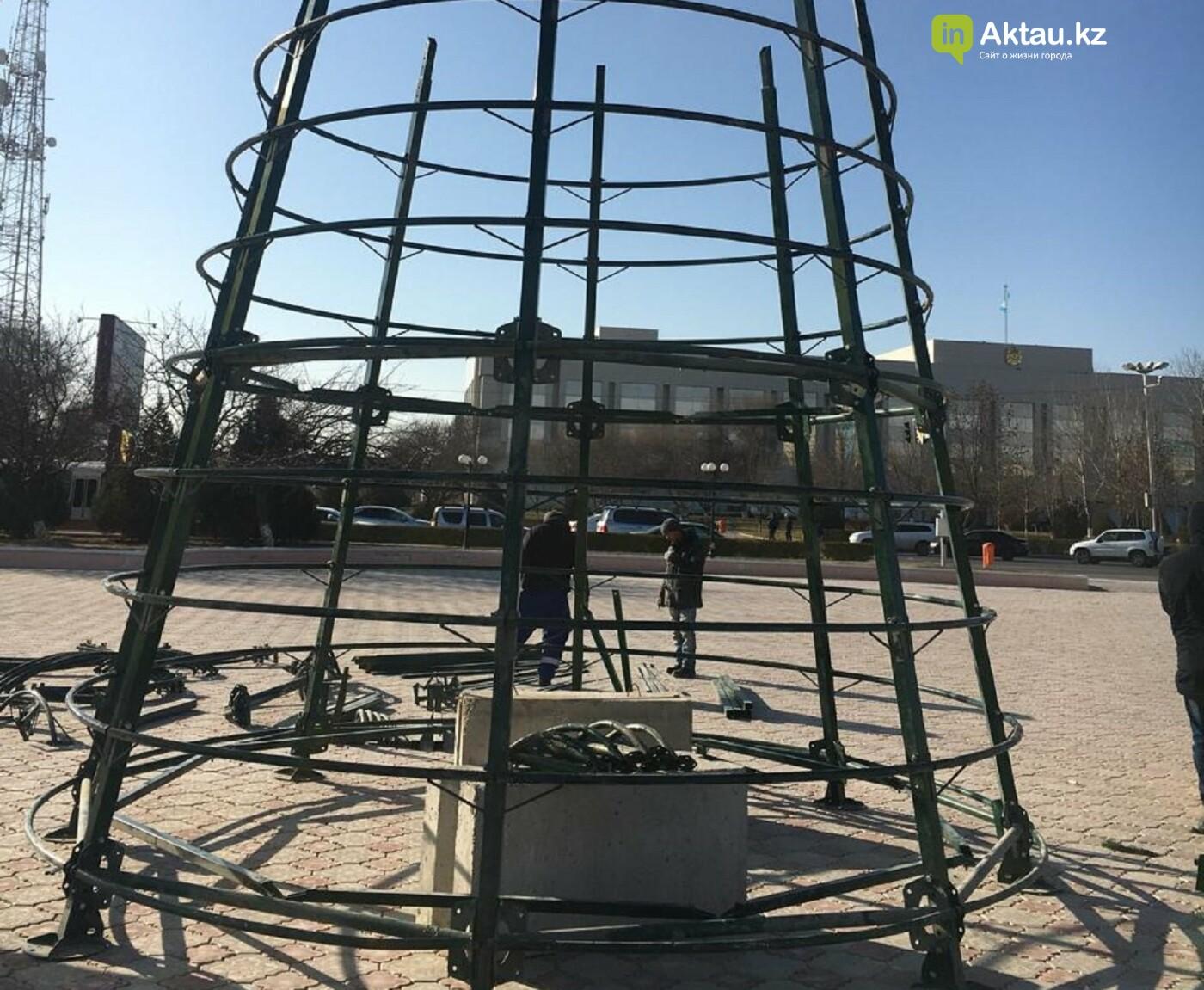 В Актау началась подготовка города к Новому году, фото-2