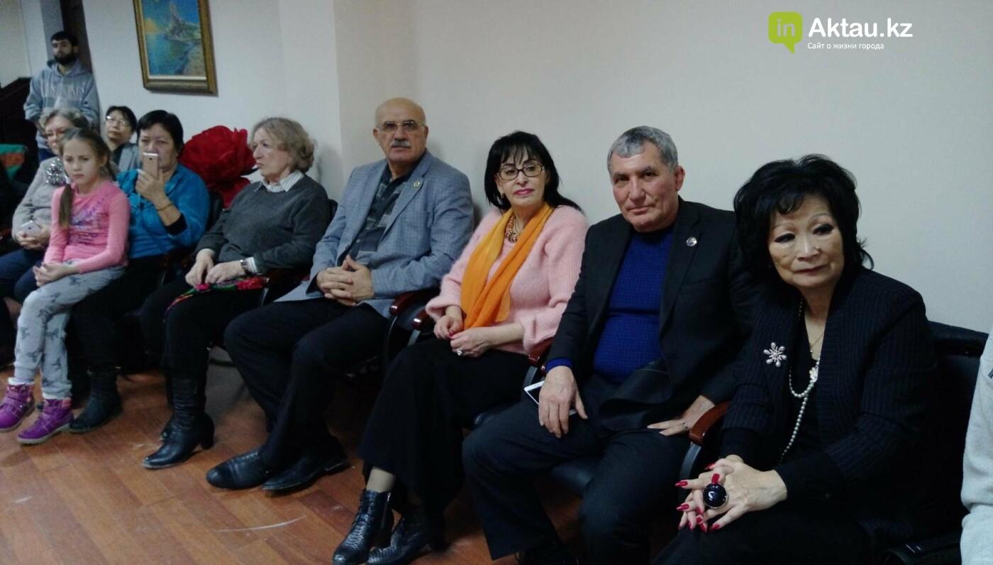 Жители Актау отпраздновали Хануку (Видео), фото-1