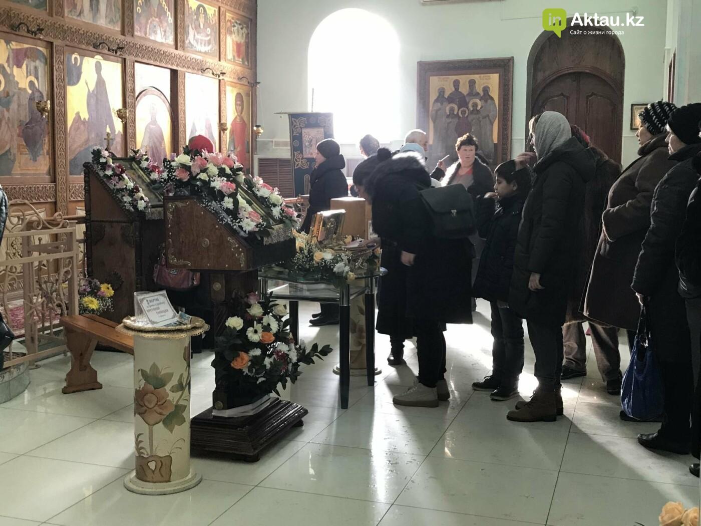 Актаусцы приложились к мощам Блаженной Матроны Московской, фото-2