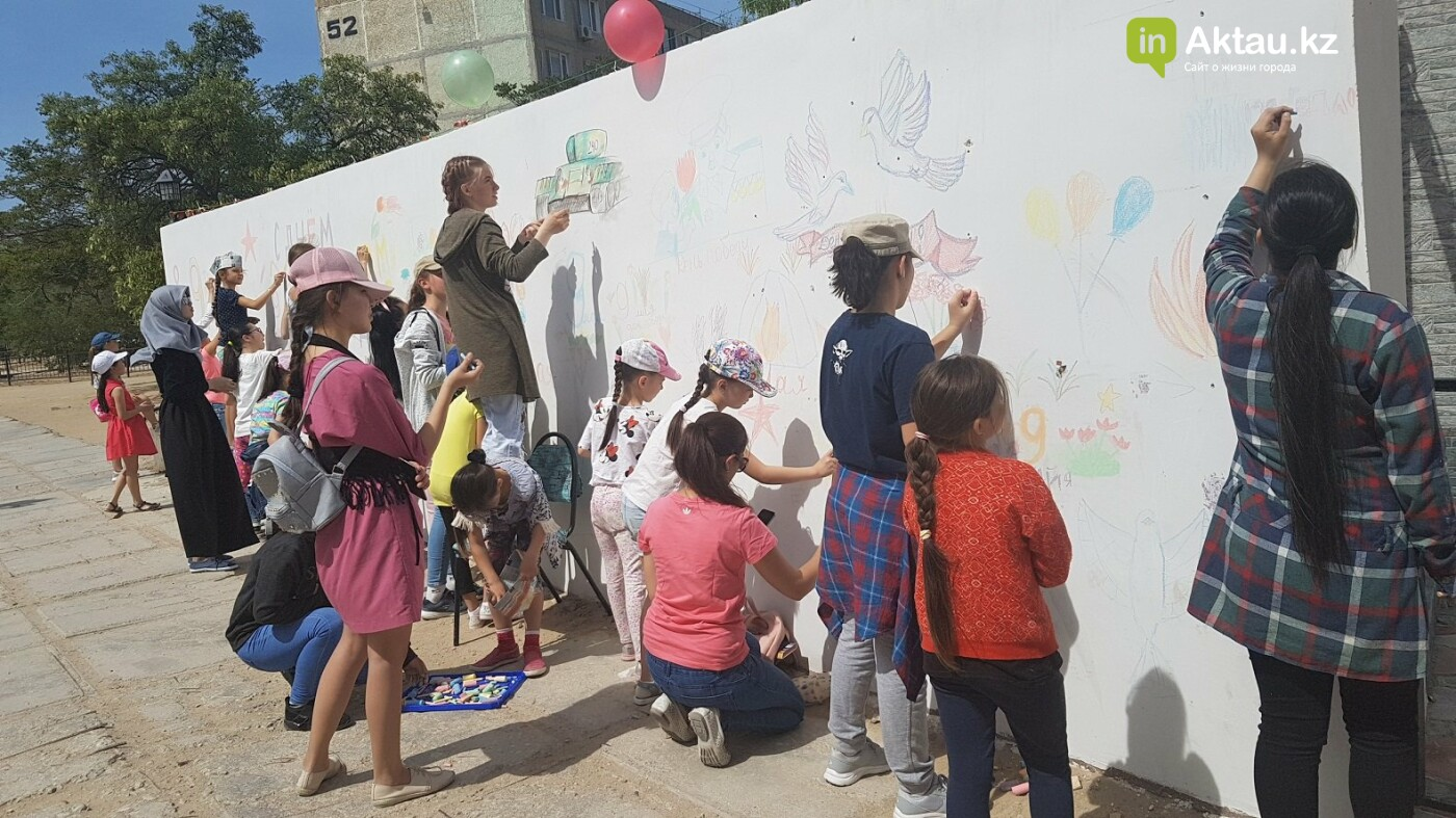 Стену Памяти своими руками создали школьники Актау, фото-2