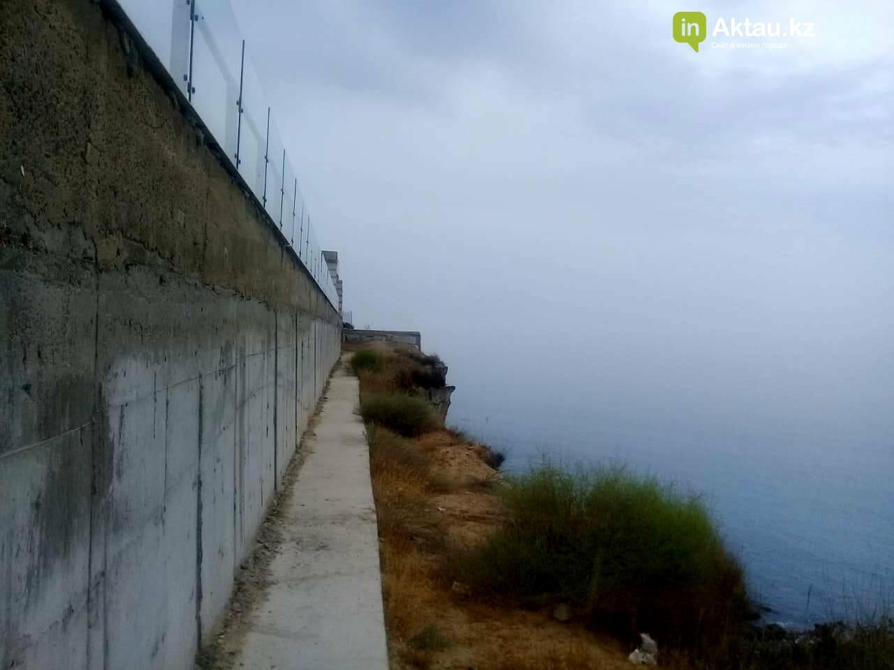Владельцев особняков на скалах в Актау обязали освободить самовольно захваченные территории, фото-1