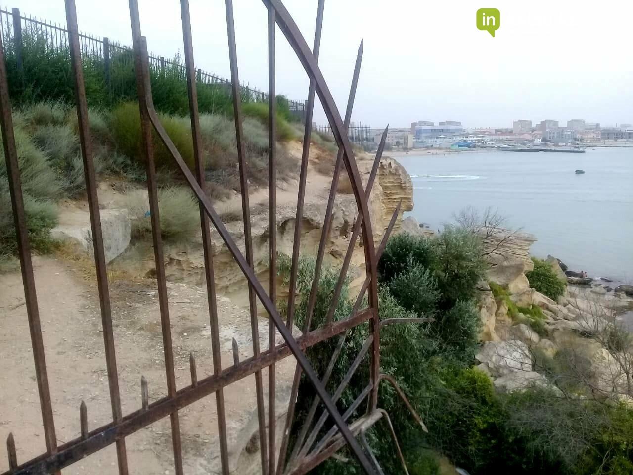 Владельцев особняков на скалах в Актау обязали освободить самовольно захваченные территории, фото-3