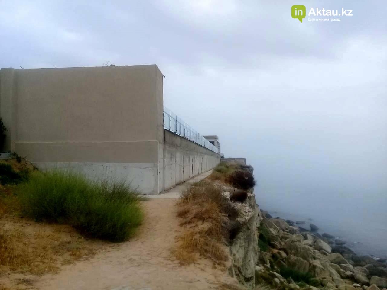 Владельцев особняков на скалах в Актау обязали освободить самовольно захваченные территории, фото-2