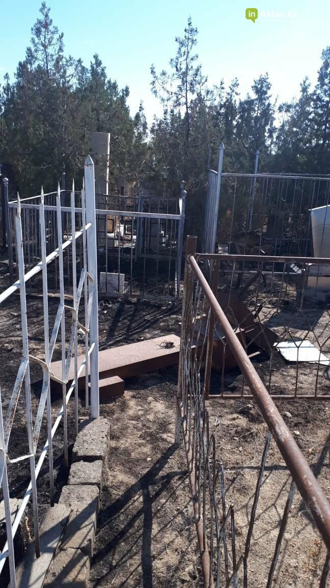 Превратили в свалку: жители Актау пожаловались на состояние христианского кладбища, фото-5