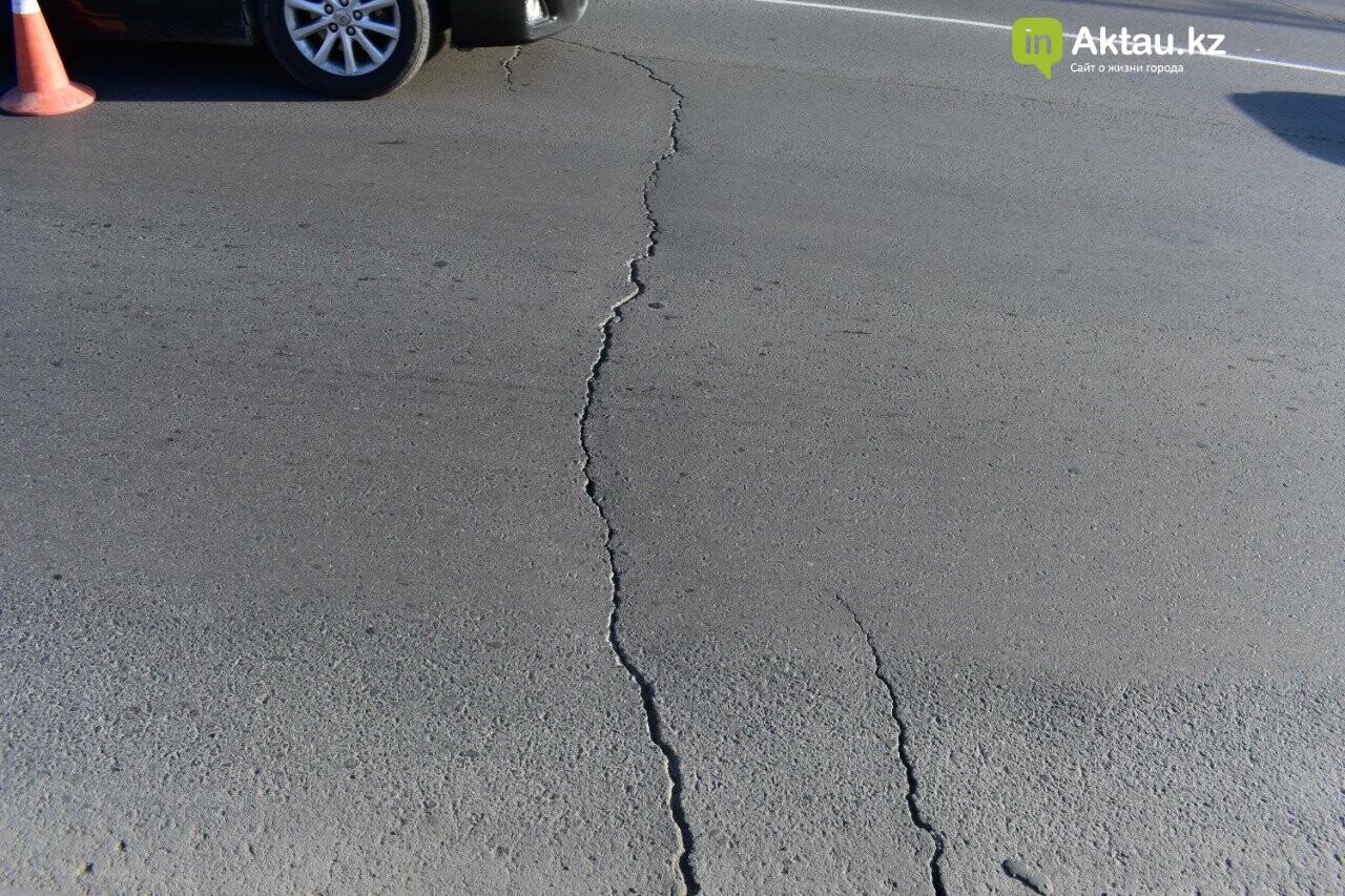 В Актау снова ремонтируют дороги, фото-1