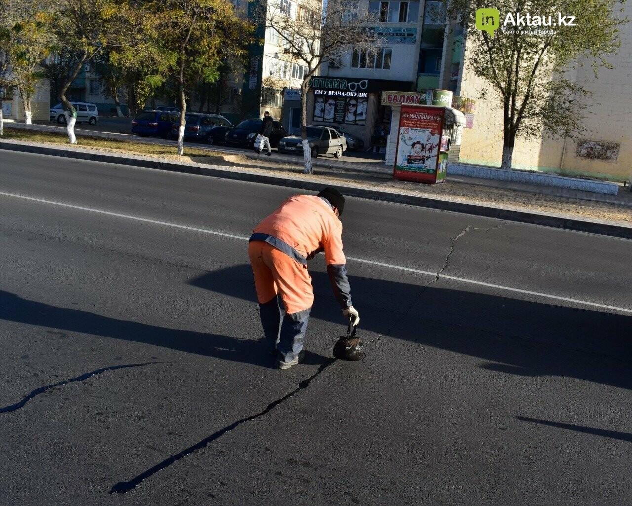 В Актау снова ремонтируют дороги, фото-2