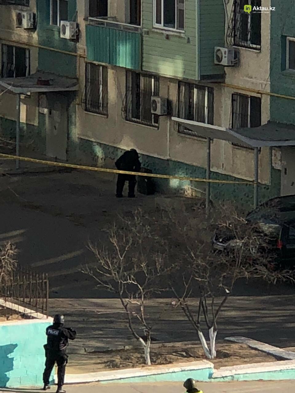 Черный чемодан встревожил жильцов пятиэтажки в Актау, фото-4