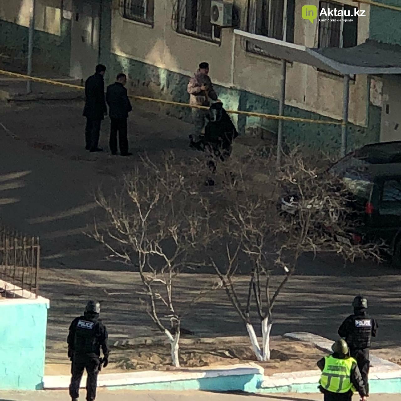 Черный чемодан встревожил жильцов пятиэтажки в Актау, фото-3