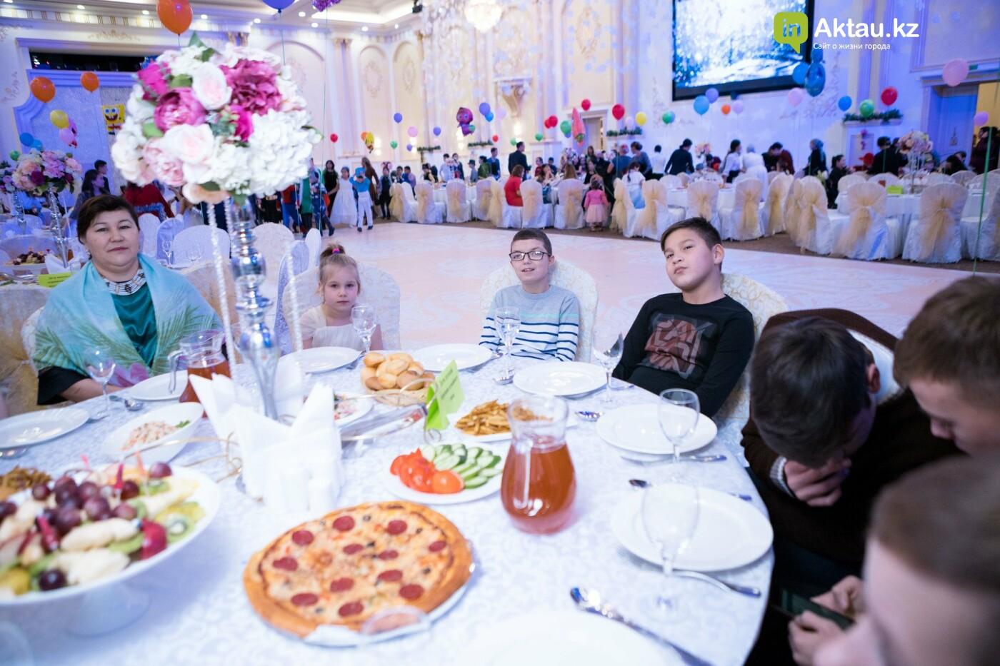 Новогодний праздник устроили детям из малоимущих семей в Актау, фото-3
