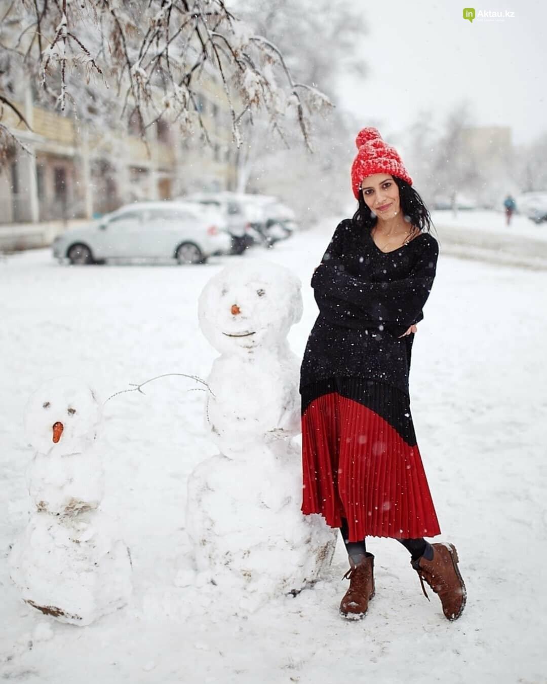 Снеговики и снежные бабы: как актаусцы развлекались 1 января (ФОТО), фото-1
