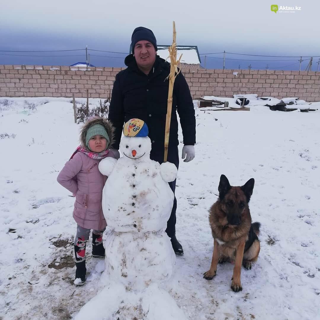 Снеговики и снежные бабы: как актаусцы развлекались 1 января (ФОТО), фото-17