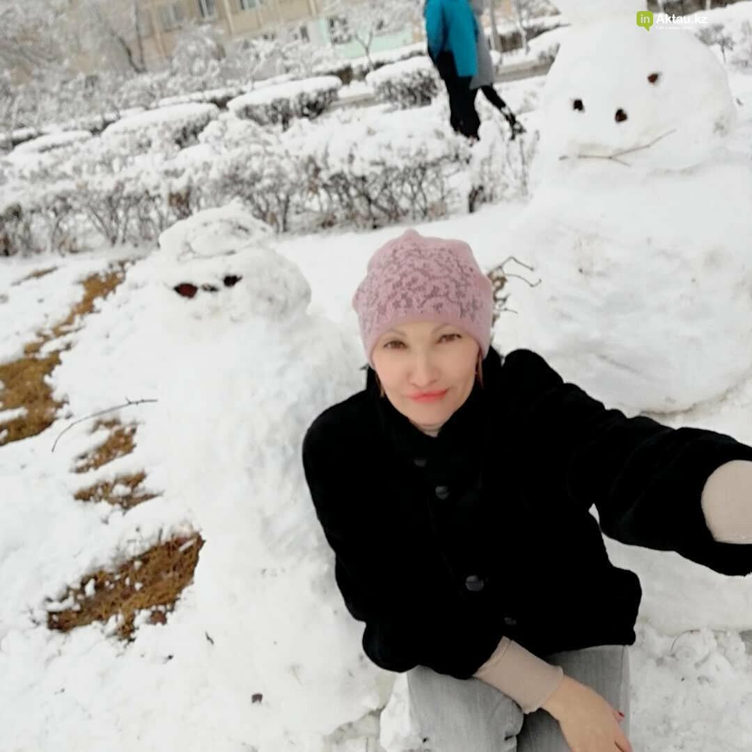 Снеговики и снежные бабы: как актаусцы развлекались 1 января (ФОТО), фото-8