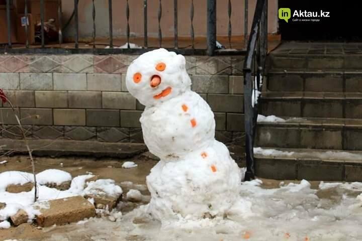 Снеговики и снежные бабы: как актаусцы развлекались 1 января (ФОТО), фото-9