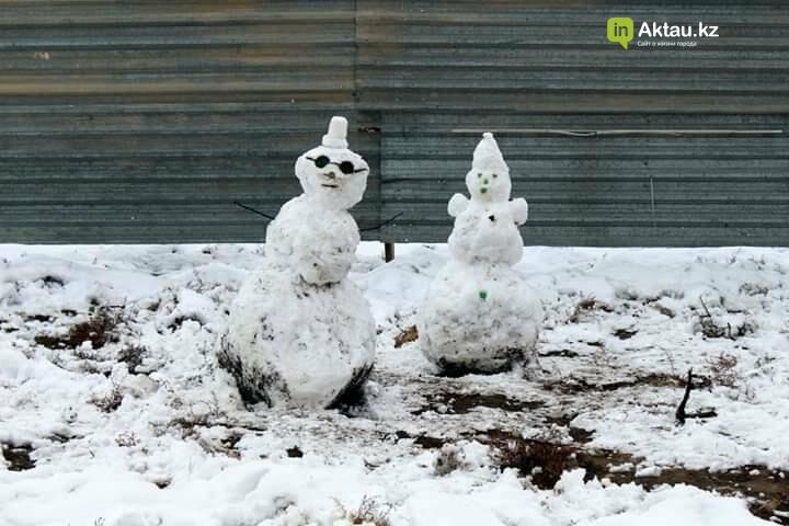 Снеговики и снежные бабы: как актаусцы развлекались 1 января (ФОТО), фото-3