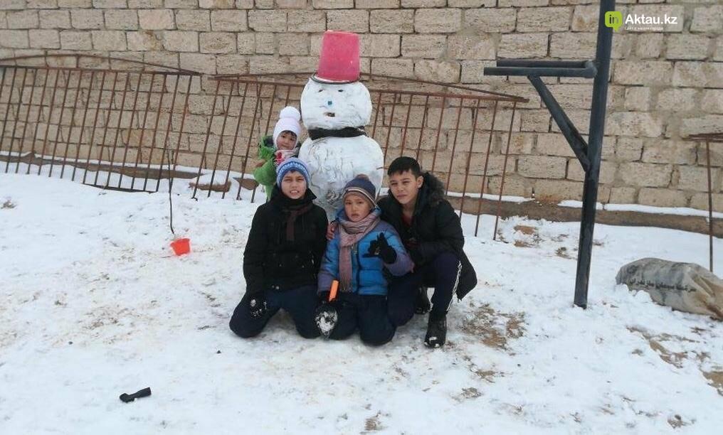 Снеговики и снежные бабы: как актаусцы развлекались 1 января (ФОТО), фото-18