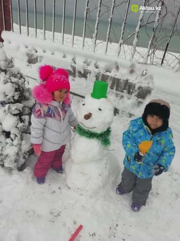 Снеговики и снежные бабы: как актаусцы развлекались 1 января (ФОТО), фото-7