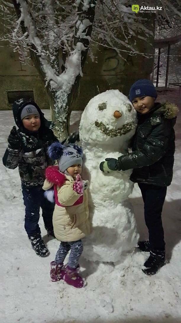 Снеговики и снежные бабы: как актаусцы развлекались 1 января (ФОТО), фото-22