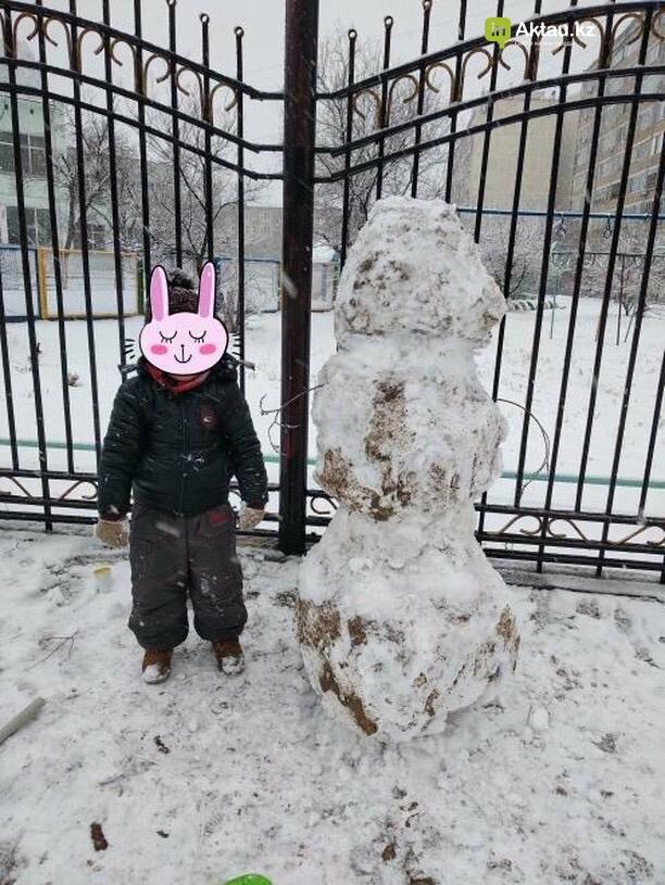 Снеговики и снежные бабы: как актаусцы развлекались 1 января (ФОТО), фото-26