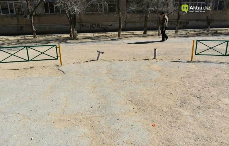 На состояние детских площадок жалуются жители 26 микрорайона Актау, фото-3