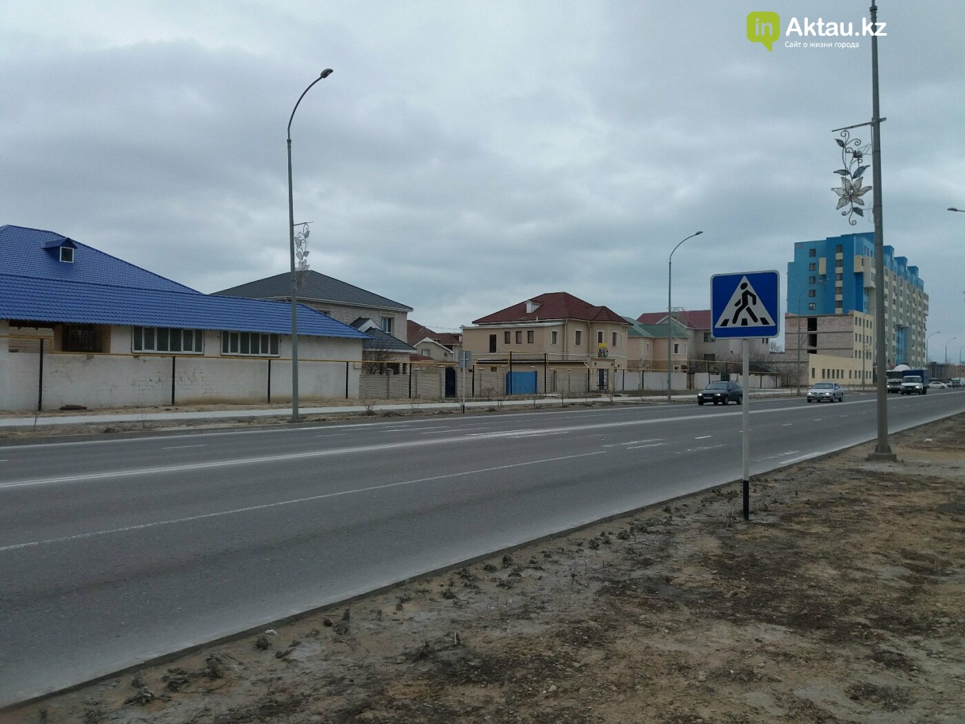 Жизнь с препятствиями: жители Актау просят власти города думать о людях при замене бордюров