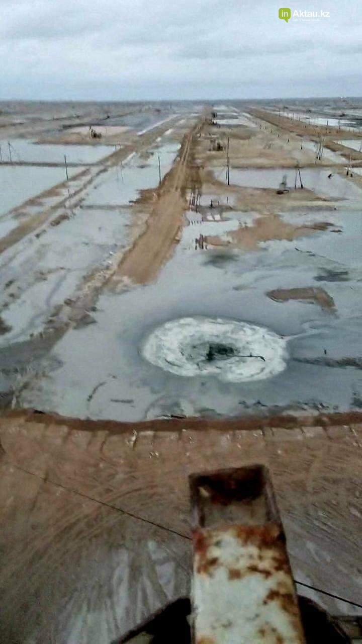 Видео аварии на месторождении Каламкас распространяется в Сети, фото-2