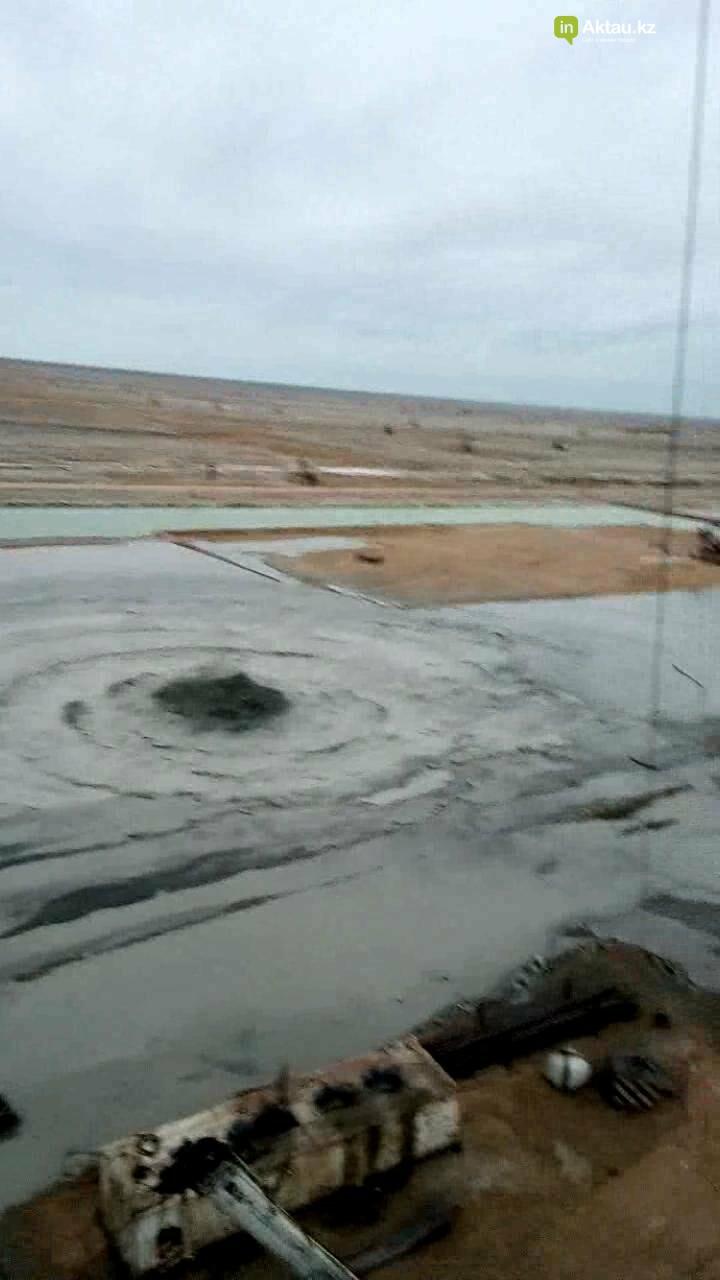 Видео аварии на месторождении Каламкас распространяется в Сети, фото-3
