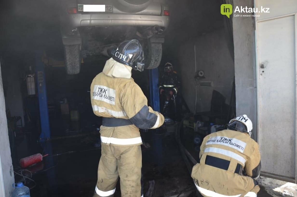 В Актау во время пожара в гараже пострадал мужчина, фото-2