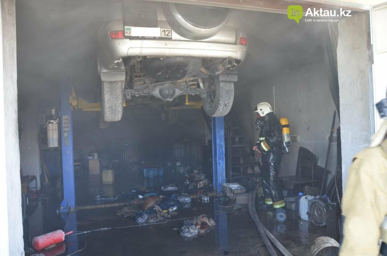 В Актау во время пожара в гараже пострадал мужчина, фото-3