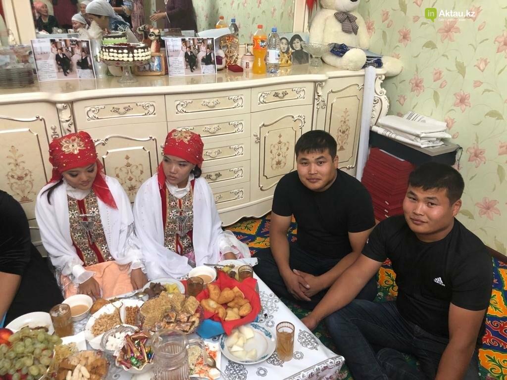 Дабл той: в Жанаозене женились две пары близнецов, фото-2