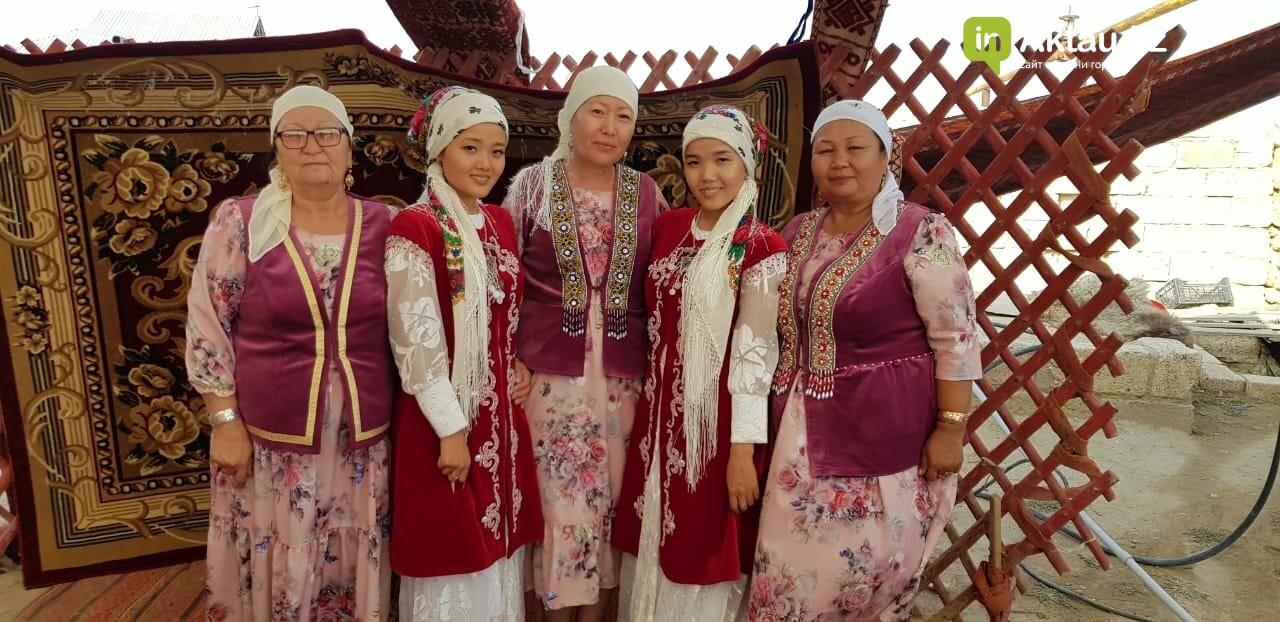 Дабл той: в Жанаозене женились две пары близнецов, фото-3