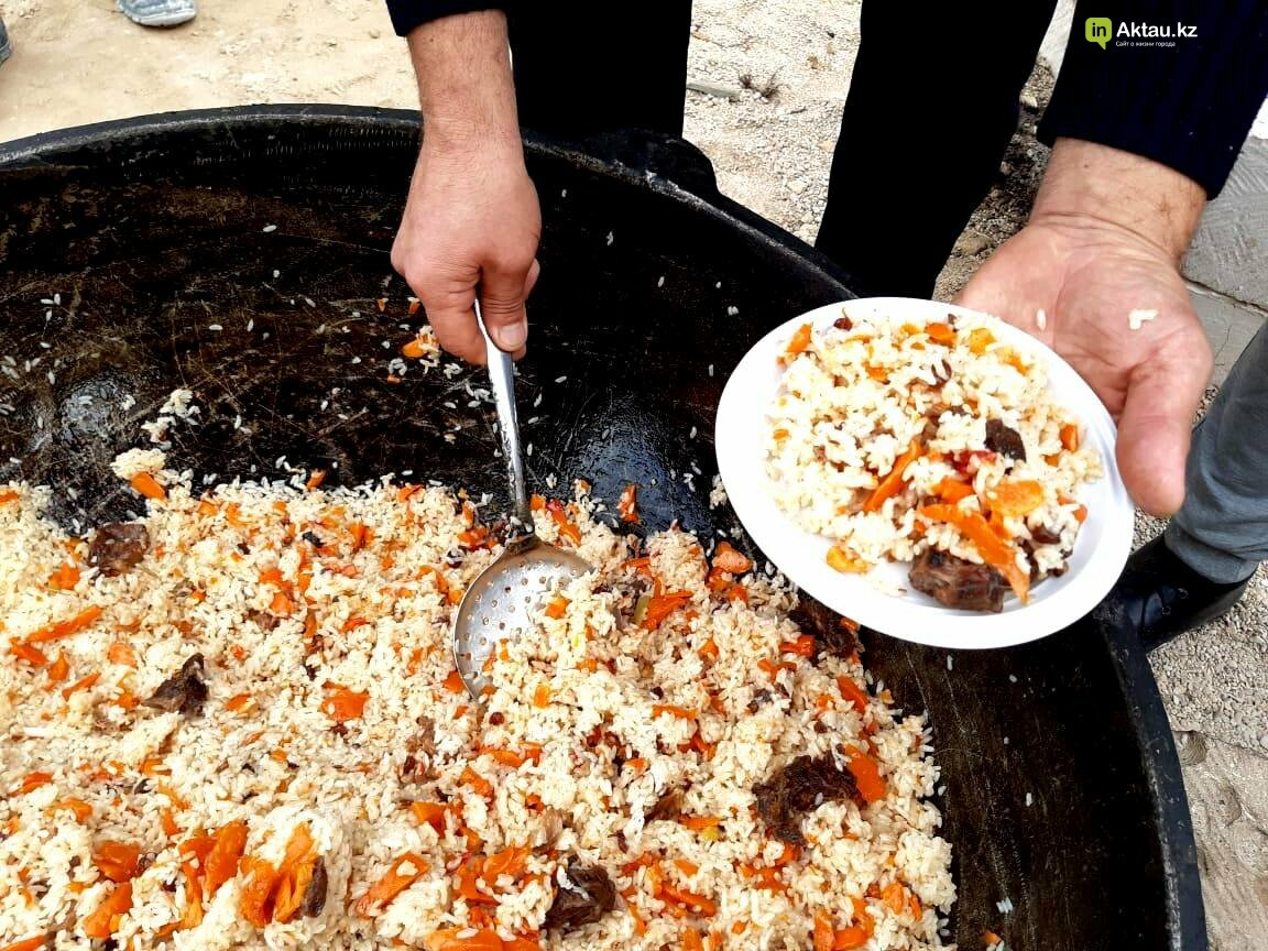 Актаусцев накормили на Плов party, фото-1