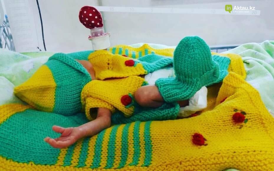 #творидобро: волонтеры в Актау связали недоношенным деткам осьминожек в знак поддержки, фото-3