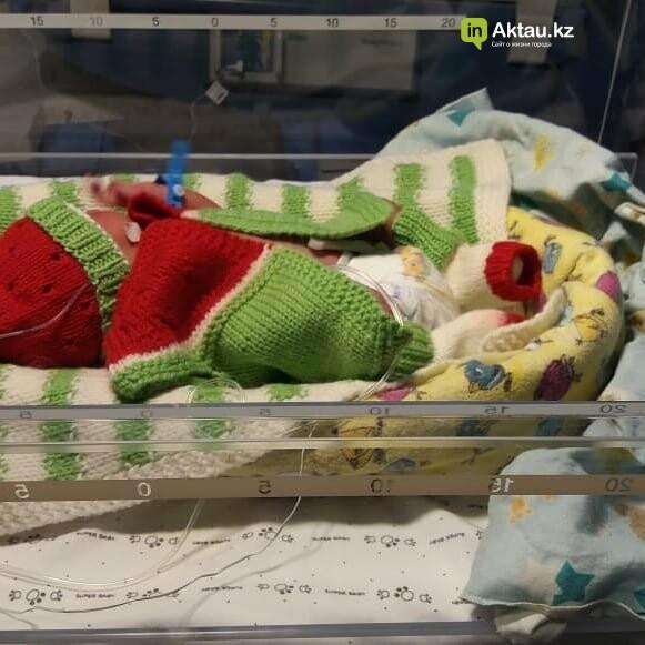 #творидобро: волонтеры в Актау связали недоношенным деткам осьминожек в знак поддержки, фото-4