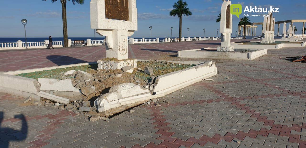 Итоги года: какой урон нанесли вандалы Актау, фото-5