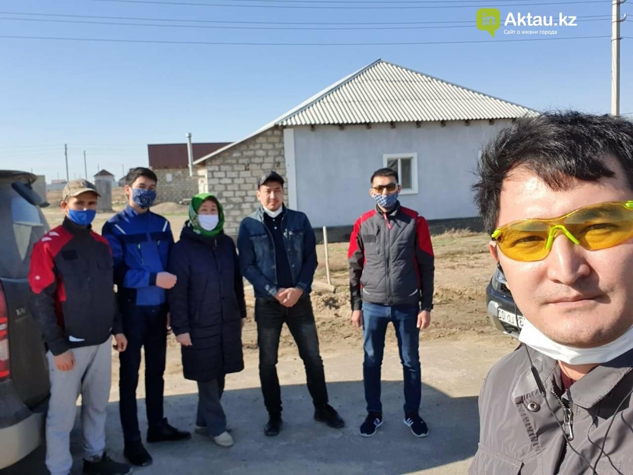 Житель Актау, который не смог вернуться домой, оказывает помощь атыраусцам, фото-1