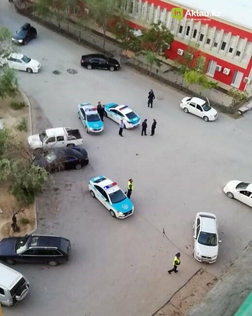 Группу парней задержали за нарушение общественного порядка в Актау. ВИДЕО, фото-1