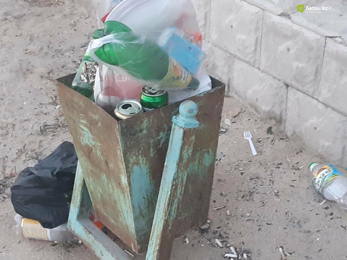 """""""Просто бардак!"""": жители Актау жалуются на санитарное состояние набережной, фото-7"""