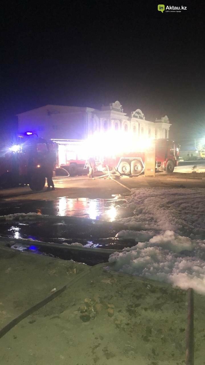 В пригороде Актау на  заправке сгорел автомобиль, фото-2