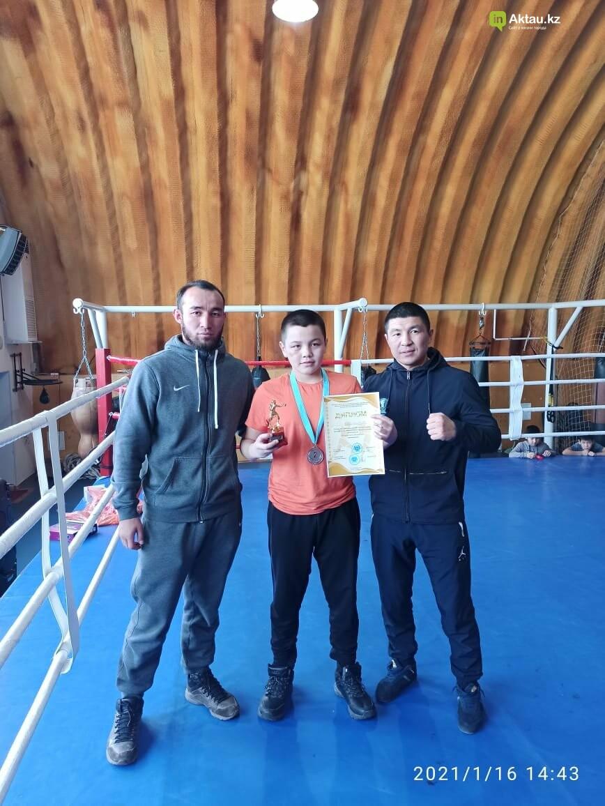 В Актау определили победителей областного турнира по боксу среди юношей, фото-5
