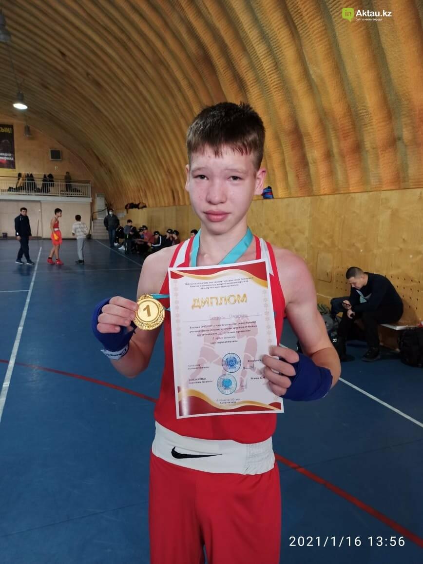 В Актау определили победителей областного турнира по боксу среди юношей, фото-4